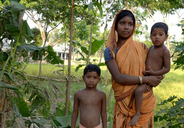 """Il dramma delle bambine """"dalit"""", le fuori casta che diventano spose a 8 anni"""