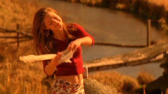"""""""Mi tirava fuori  l'aria dal corpo a pugni"""": la violenza subita da Melissa Benoist"""