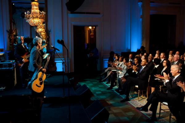 Perché chi non conosce Joan Baez dovrebbe ascoltarla subito