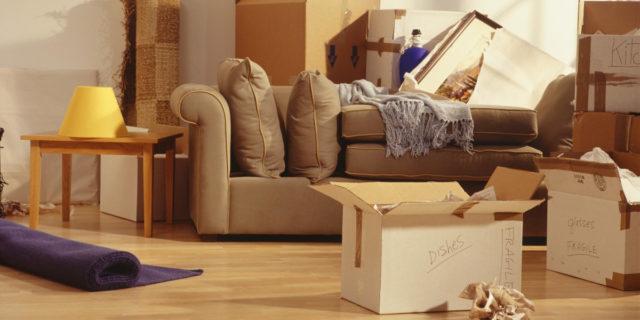Traslocare senza stress: 8 strategie per farlo in modo organizzato e risparmiando