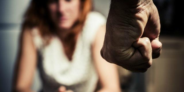 """""""Mi ha reso la sua schiava con pugni e minacce, ed ero io a sentirmi sbagliata"""""""