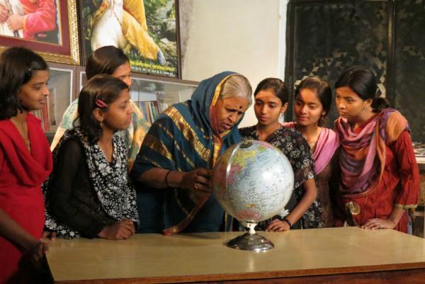 Sindhutai Sapkal, essere madre di oltre 1000 bambini orfani
