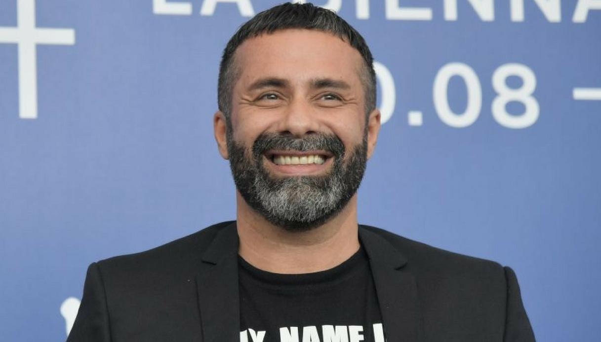 """""""Frocio vattene"""" la potente risposta di Luca Tommassini agli omofobi"""