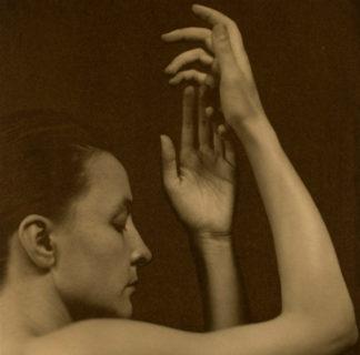 Tra depressione e fiori: perché Georgia O'Keeffe è l'artista dei record