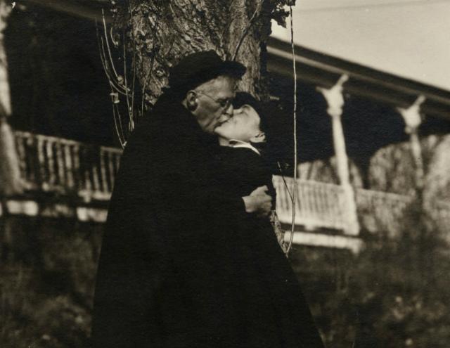 Tra depressione e fiori: perché Georgia O'Keeffe è l'artista femminile dei record