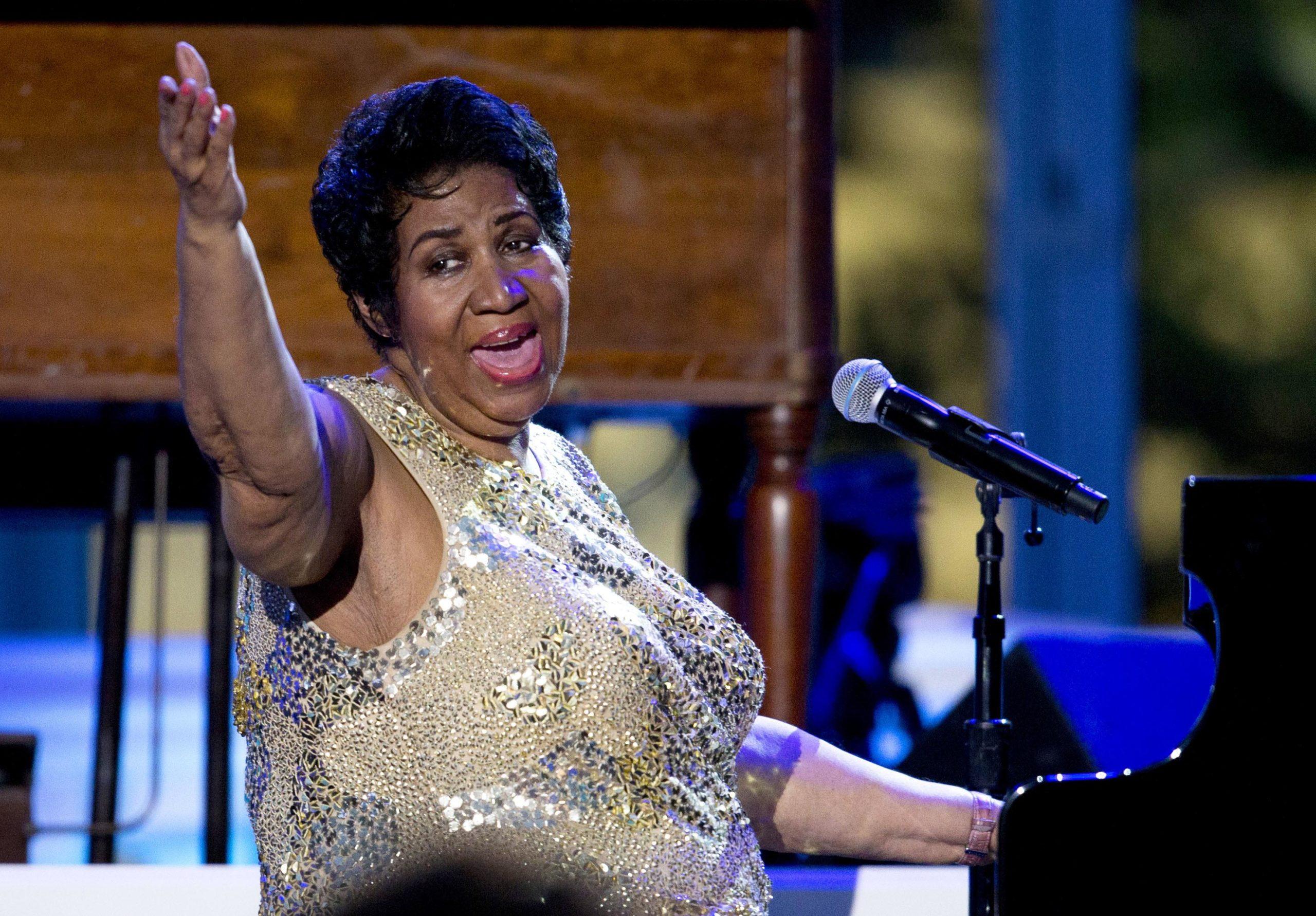 Aretha Franklin, la regina del soul che si fece seppellire con i tacchi rossi