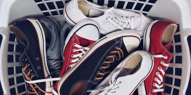 Come pulire le tue scarpe in lavatrice: le cose che devi sapere