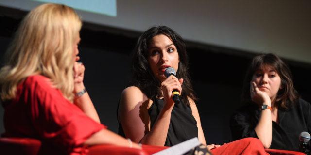 """Donne alla regia: perché l'idea di """"sensibilità femminile"""" fa male alle donne"""