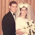 Sposati da 51 anni, muoiono di Covid-19 a distanza di 6 minuti