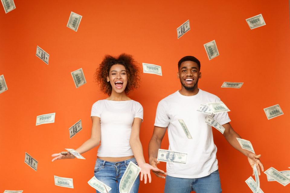 Perché e come donne e uomini trattano i soldi in modo diverso