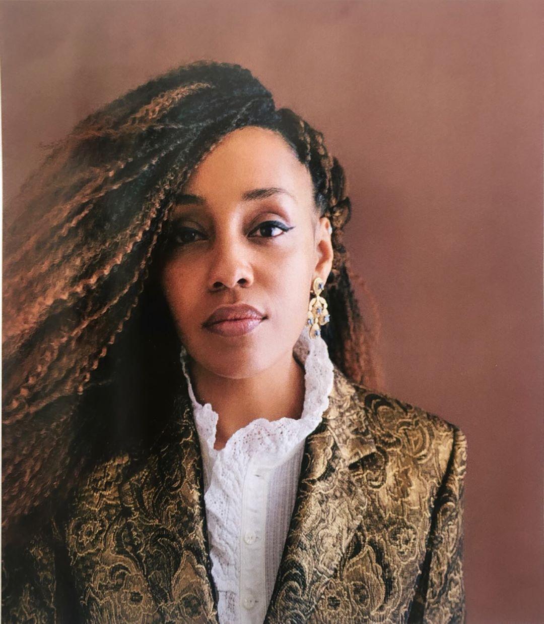 """Lucia Mbomio: """"Cosa significa essere sia 'troppo nera' che 'troppo bianca'"""""""