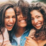 """La sorellanza esiste, anche se a molti fa comodo lo stereotipo delle """"donne rivali"""""""