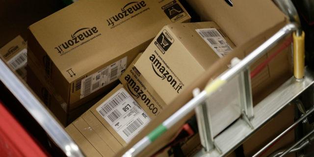 La verità dietro i resi dei nostri acquisti su Amazon & co.