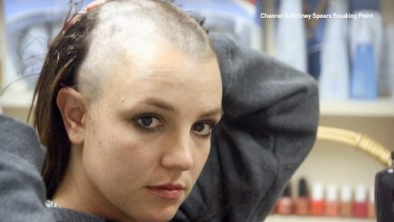 """#FreeBritney: l'appello per liberare dal padre la """"paziente in coma"""" Britney Spears"""