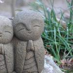 """Jizō, le statuette che accompagnano i """"bambini dell'acqua"""", nati morti o uccisi"""