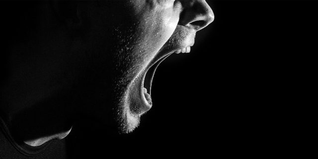 Violenza verbale, quelle parole che non fanno meno male delle botte