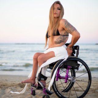 """Sofia Righetti: """"Esporre il proprio corpo con disabilità è un atto politico"""""""
