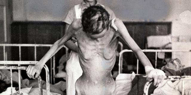 Le mestruazioni mai raccontate nei campi di concentramento