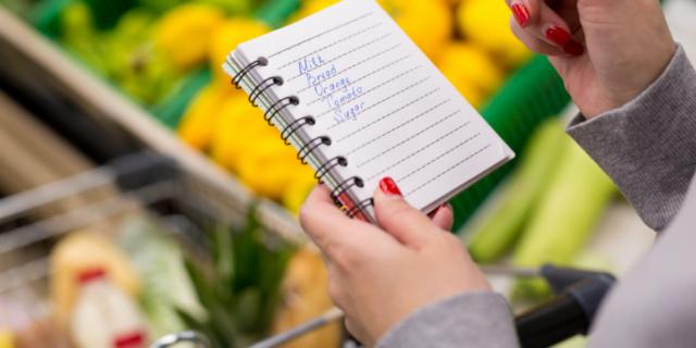Come risparmiare sulla spesa: 11 consigli salva denaro