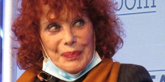Simona Marchini, l'ostinazione del sorriso anche se la vita ti mette alla prova