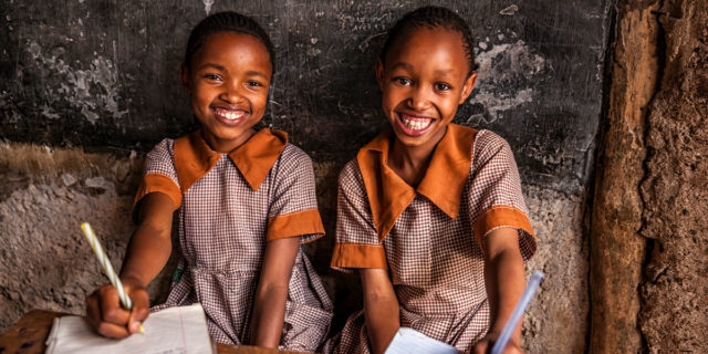 """""""Far studiare le femmine è inutile"""": il diritto negato dell'istruzione femminile"""