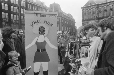 "Dolle Mina, da Wilhelmina Drucker e i reggiseni al ""diritto al cancro ai polmoni"""