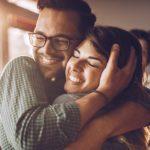 Perché il 21 gennaio è la giornata degli abbracci (di cui avremmo tanto bisogno)