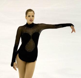 Carolina Kostner oggi, la regina dei ghiacci danza sui social