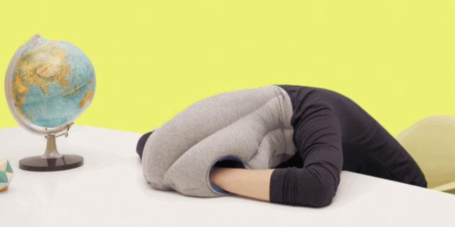 Ostrichpillow, con questi cuscini puoi dormire ovunque tu sia