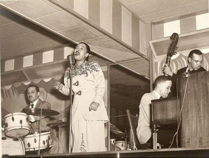 """Perché l'America fece di tutto per non fare cantare """"Strange Fruit"""" a Billie Holiday"""