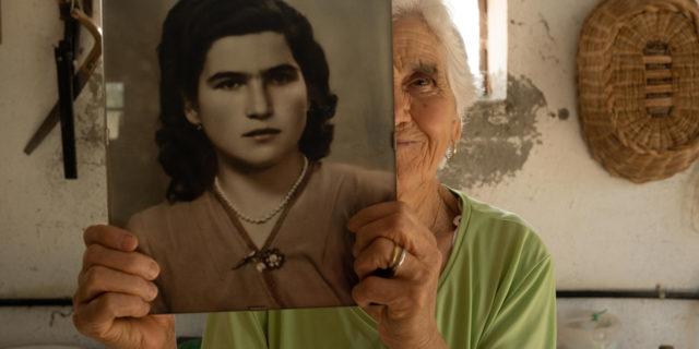 """""""Ultimina"""": la storia di una donna sposa a 17 anni e i mariti padroni dell'Italia rurale"""