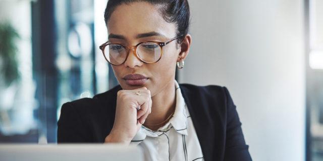 Se è la famiglia a frenare le donne perché anche le single non fanno carriera?