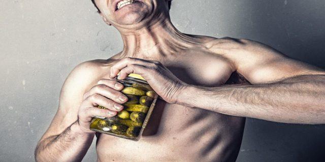 La mascolinità tossica spiegata bene e i suoi sintomi che spesso non riconosciamo