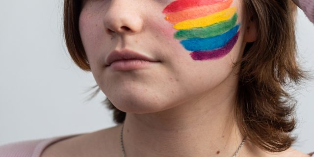 Stuprata 1 donna bisex su 2: i numeri della violenza ai danni della comunità Lgbtq*