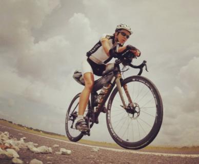 Juliana Buhring, la donna più veloce a fare il giro del mondo in bicicletta