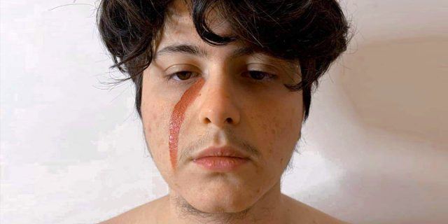 Transgender gaslighting: quella violenza manipolatoria ai danni delle persone trans*
