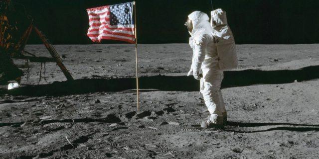 """5 donne che hanno permesso all'uomo di fare quel """"piccolo passo"""" sulla Luna"""
