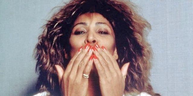 """""""Tina"""": a lezione di sopravvivenza da Tina Turner, la regina del rock"""