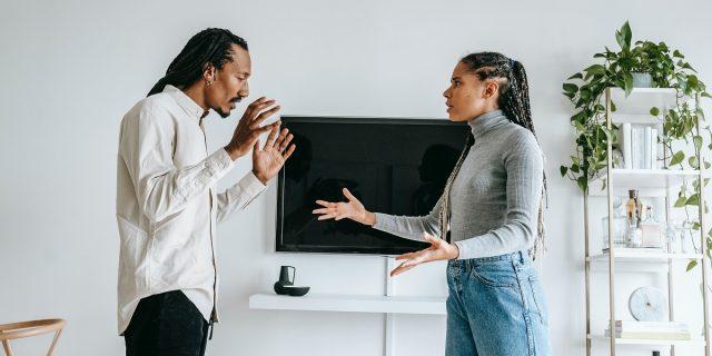 Comunicazione non verbale: cosa dicono i nostri gesti e quelli degli altri