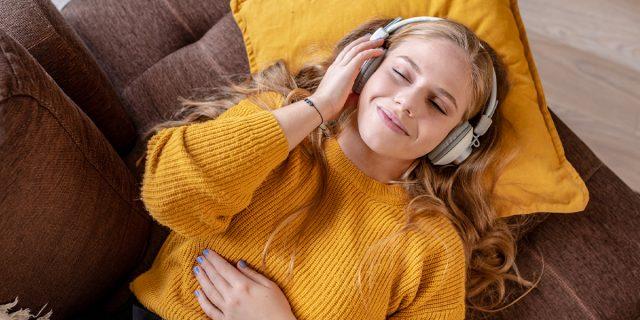 Perché ascoltare lofi hip hop mentre studi o lavori potrebbe fare molto bene