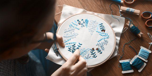 Craftivism, sicure che disprezzare i 'lavori domestici' sia femminista?