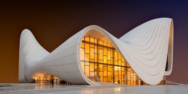 Zaha Hadid, la donna che ha sfidato le leggi dell'architettura