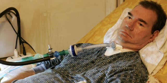 "Eutanasia, parla il medico Mario Riccio: ""Ho aiutato Piergiorgio Welbi a morire"""