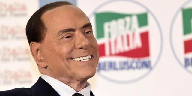 """Silvio Berlusconi: """"Pensioni minime a mille euro anche alle casalinghe"""""""