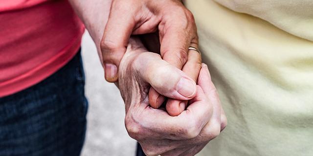 Unioni civili, due donne si sposano a ottant'anni a Modena