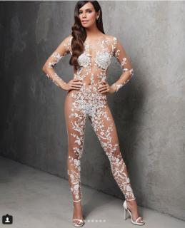 Chi ha il coraggio di indossare la prima tuta nuziale (e gli altri abiti da sposa) effetto nudo?
