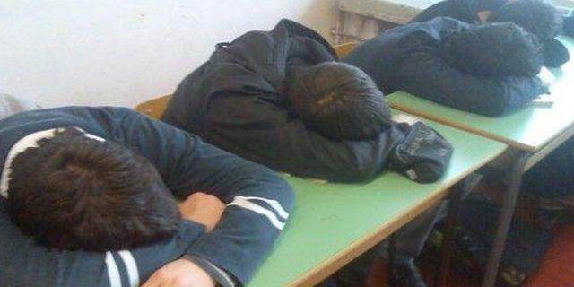 A scuola alle 10 così i ragazzi studiano di più: esperimento a Brindisi