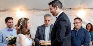 Nicole ha il lupus, il fidanzato le fa la proposta e la sposa nella stessa notte