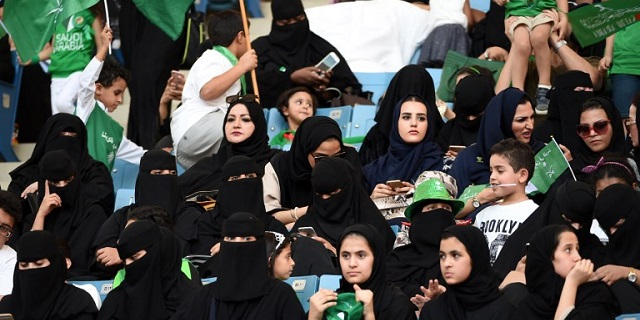 Arabia Saudita, anche le donne vanno allo stadio