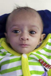 Manushi, la bambina prematura più piccola del mondo torna a casa